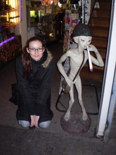 smoking alien Amsterdam