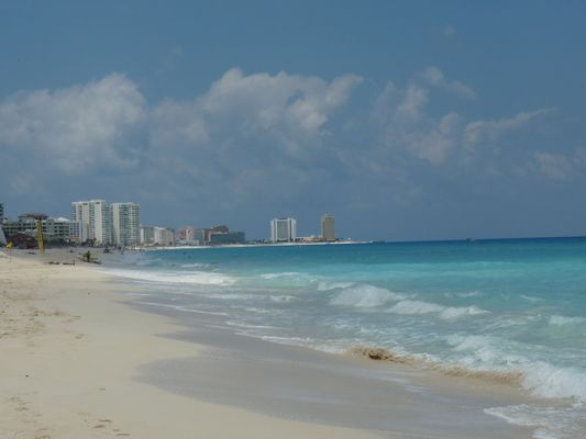 Cancún – love it or hate it. Or be confused like me?