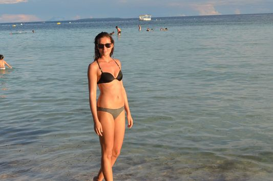 crazy sexy fun traveler on Dumaluan beach on Bohol