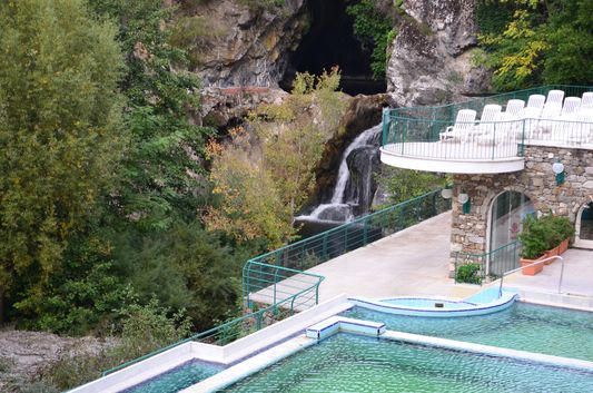 Grand Hotel Terme outdoor pools and Lago Pigo waterfall