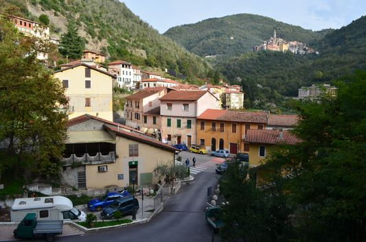 views of Pigna