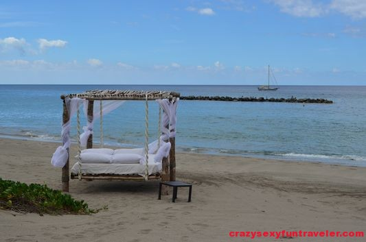 romantic massage bed Fours Seasons Nevis