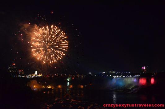 Niagara Falls fireworks (13)