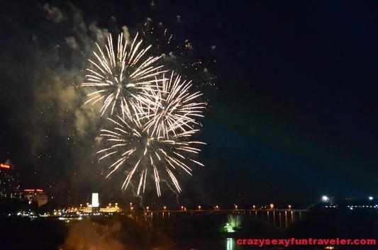 Niagara Falls fireworks (15)