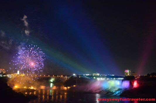 Niagara Falls fireworks (17)