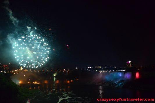 Niagara Falls fireworks (18)