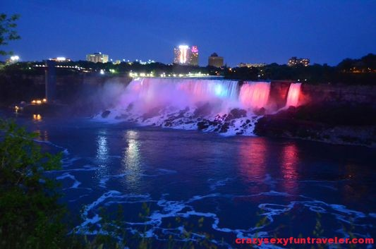 Niagara Falls fireworks (2)