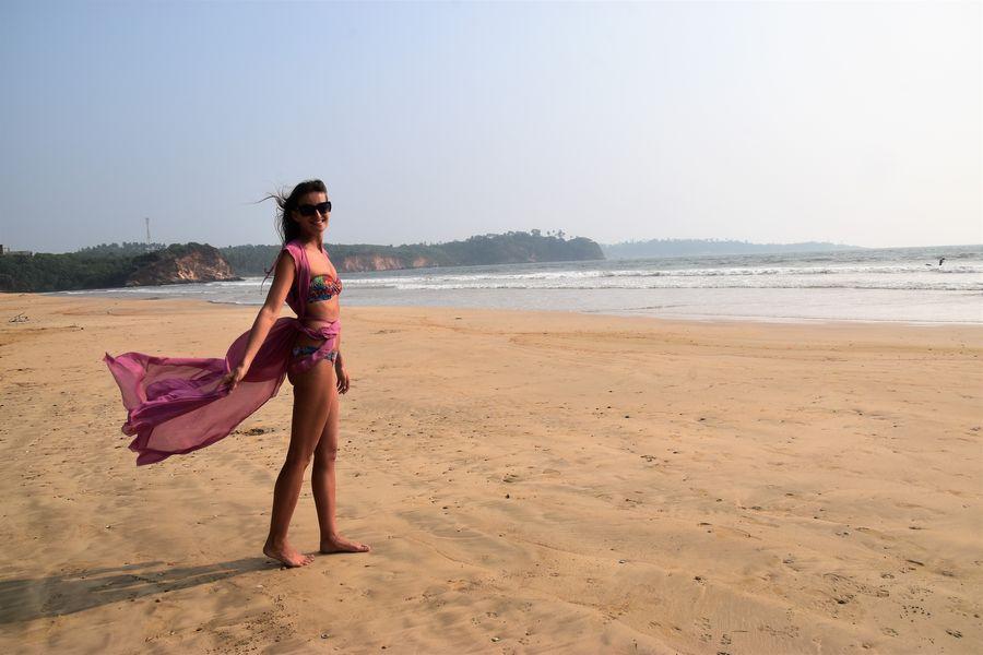 na plazi Weligama na Sri Lanke
