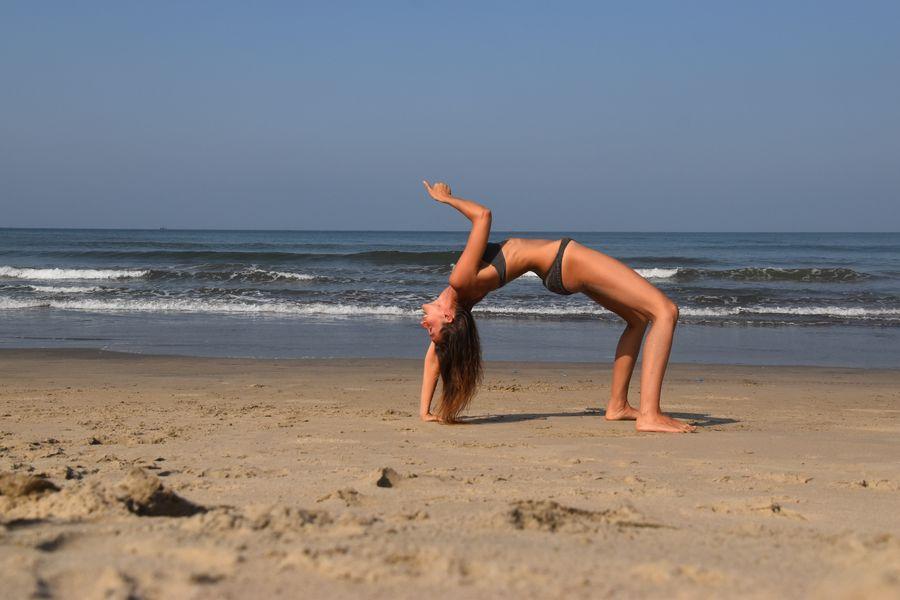 na plazi Mandrem v Indii