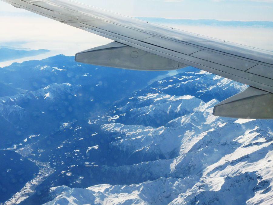vyhlad na Alpy z lietadla