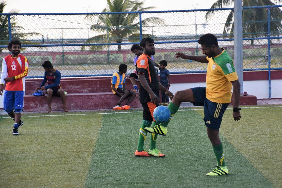 Maldivcania hraju futbal