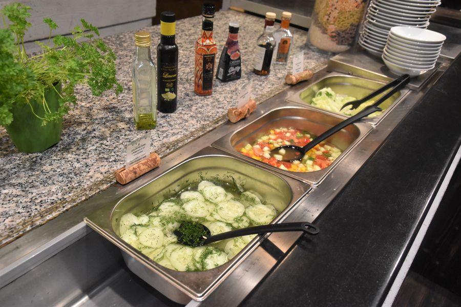 zeleninovy bufet k veceri adult friendly hotel Tri Studnicky