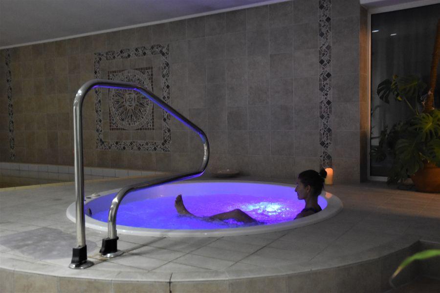 relax vo virivke hotel Solisko