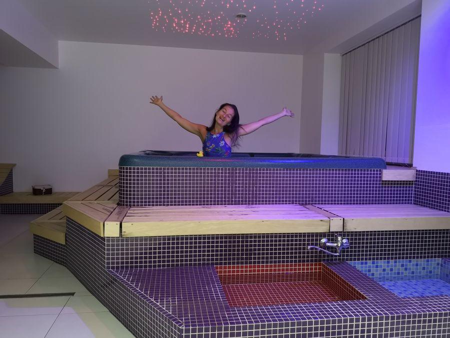 relax s kacickou vo virivke Wili Tatry apartmany