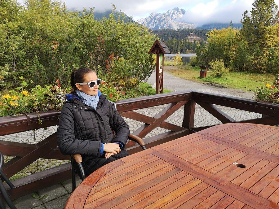 na terase Al Lago hotel Solisko