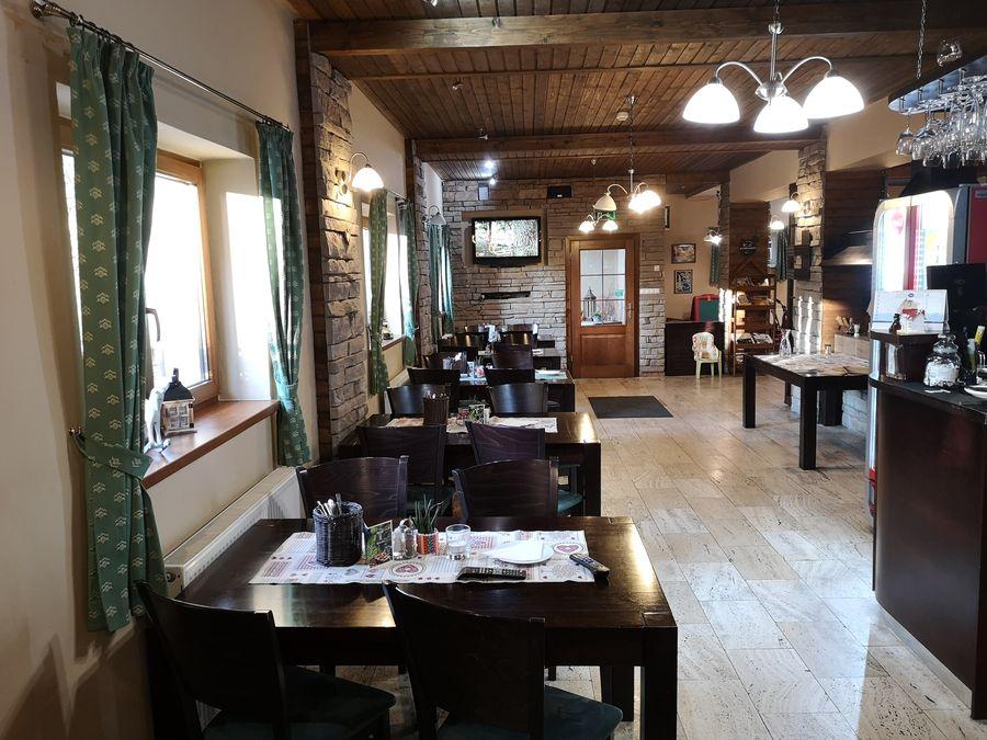 vo vnutri Ponderossa steak house Tatranska Lomnica