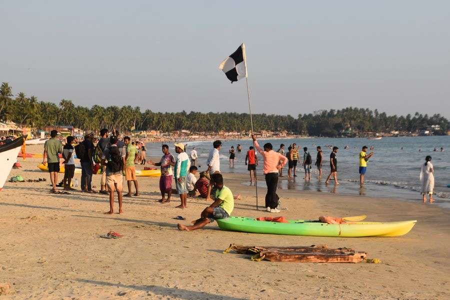 preplnena Palolem plaz Goa India