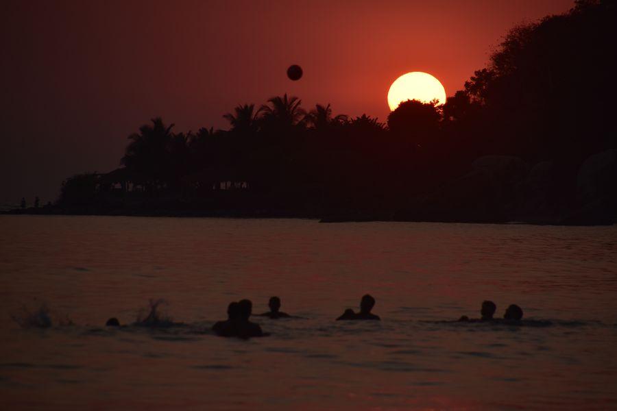 zapad slnka na Palolem plazi