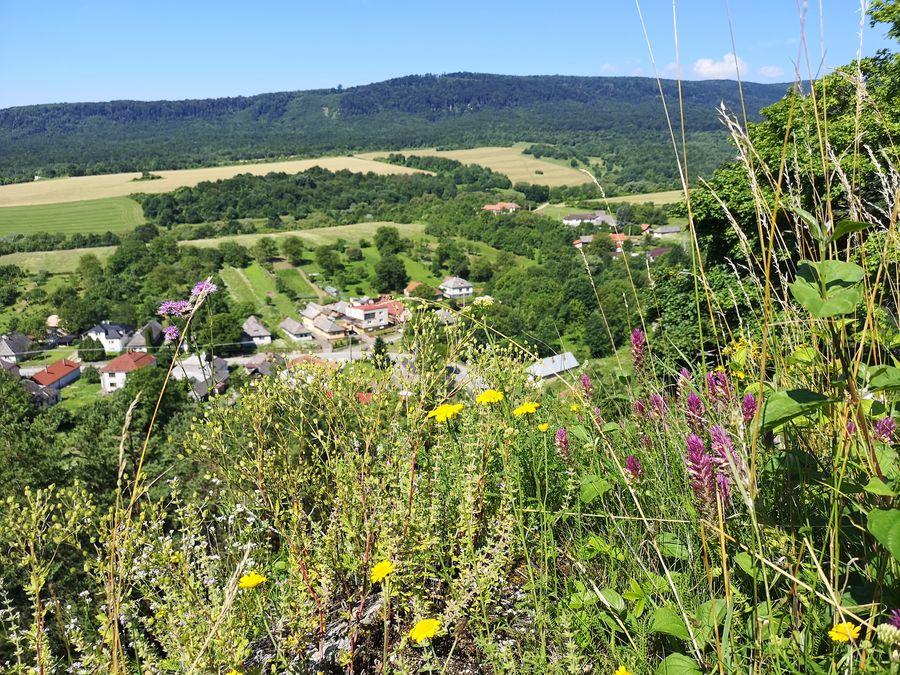 vyhlad na Podhorod z Tibavskeho hradu