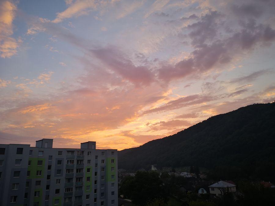 zapad slnka v Snine