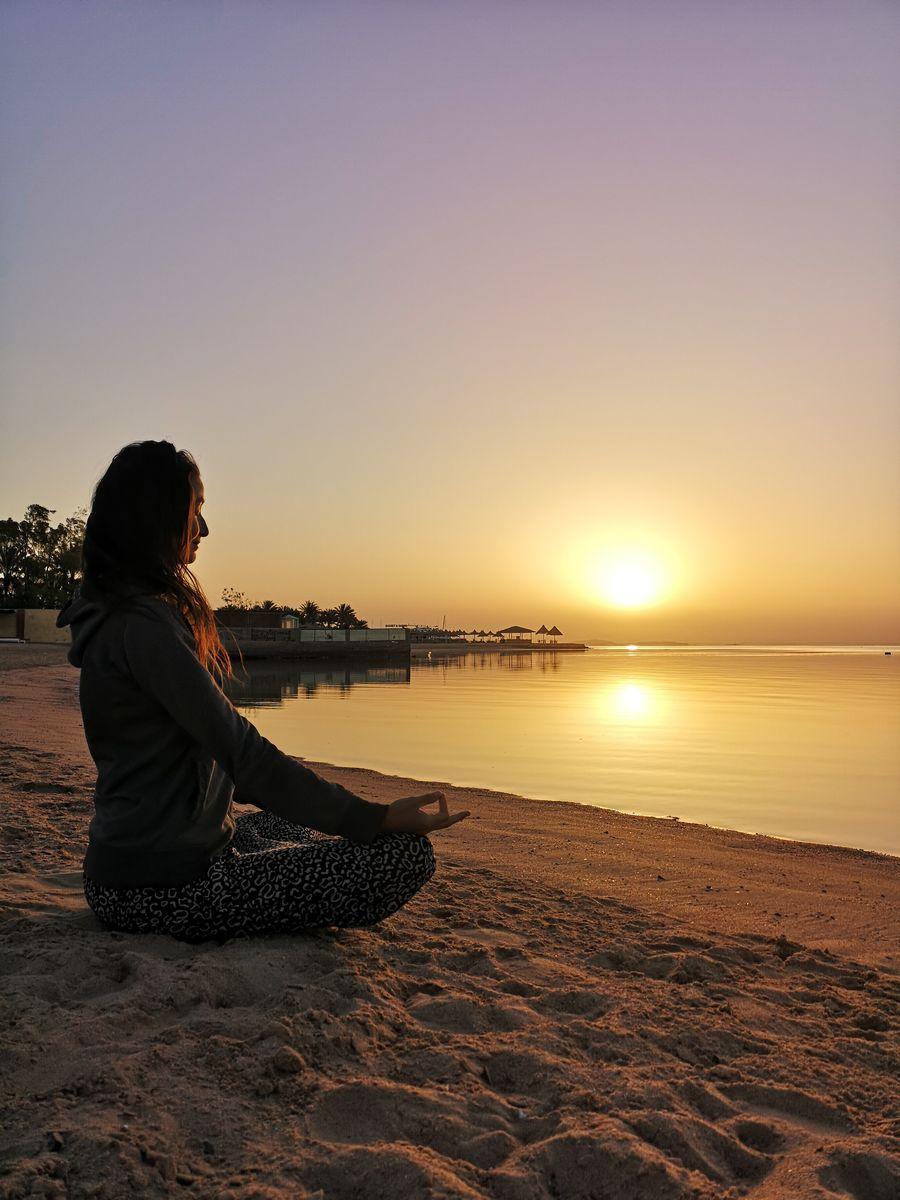 ranna meditacia na plazi