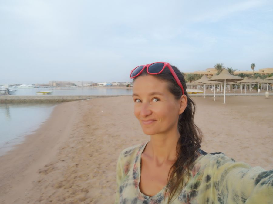 uzila som si moje posledne dni sama na plazi