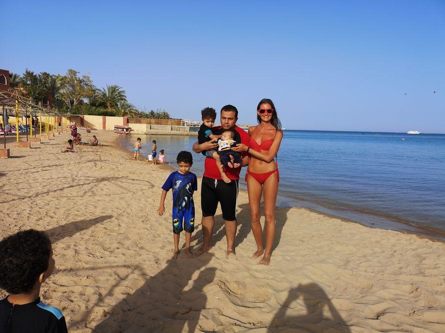 otravny Egyptan, ktory sa chcel so mnou fotit na plazi