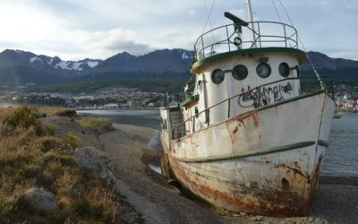 a-wreck-in-ushuaia-port
