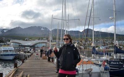 crazy-sexy-fun-traveler-in-ushuaia-port