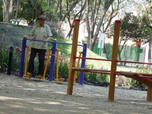 an older man doing exercise in Queretaro park