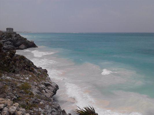 Tulum ruins - cliff and beach