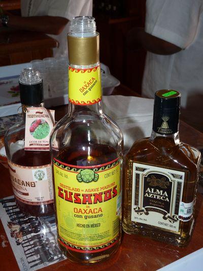 tequila Alma Azteca, mezcal con gusano