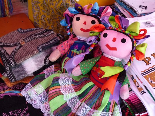 traditional dolls el Parral market