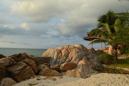 Lucky resort at Haad Gruad beach on Ko Phangan