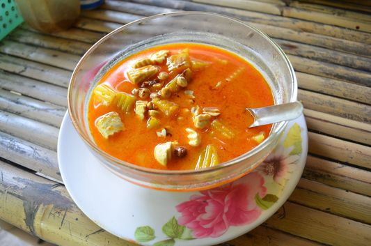 Massaman curry at Mama Poh's restaurant on Koh Phangan