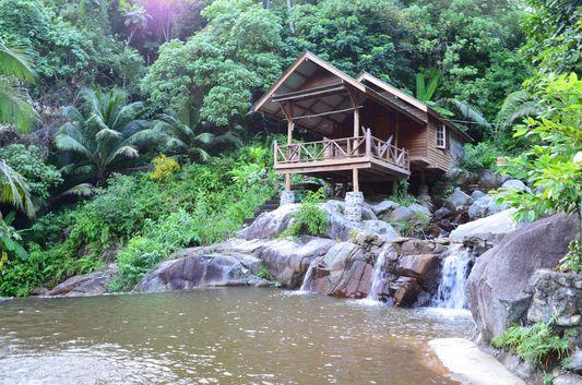 Sramanora waterfall on Koh Phangan