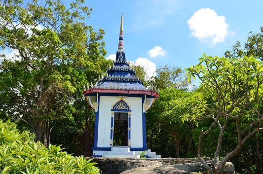 Wat Khao Tam temple on Ko Phangan