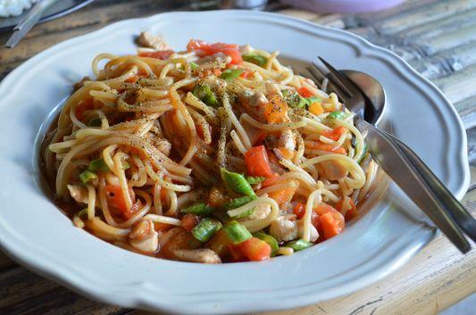 chicken spaghetti Mama Poh's restaurant on Ko Phangan