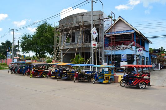 tuk tuks on Koh Lanta in Thailand
