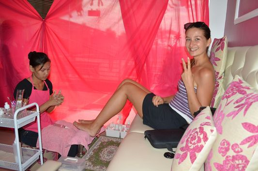 crazy sexy fun traveler having her pedicure done in Pretty Tipsy Nail and Waxing Salon, Dagupan, Pangasinan, Philippines;