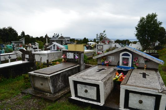 the cemetery behind Palqui church on Quinchao island