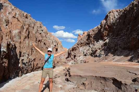 crazy sexy fun traveler and her usual pose in Cordillera de la Sal