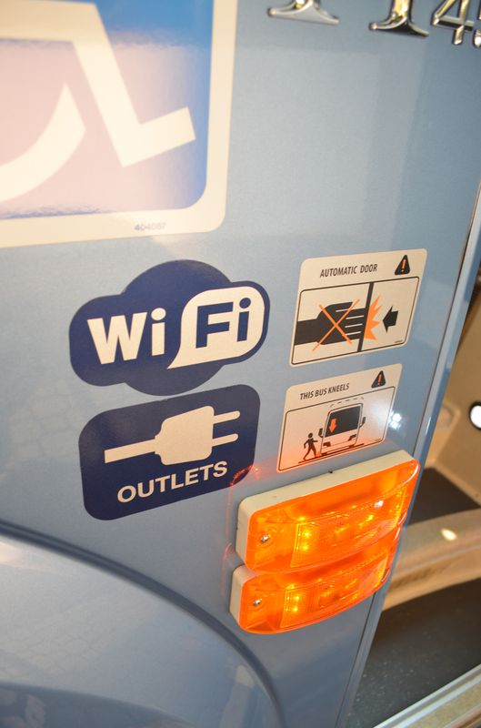 wifi and outlets on the bus in the USA