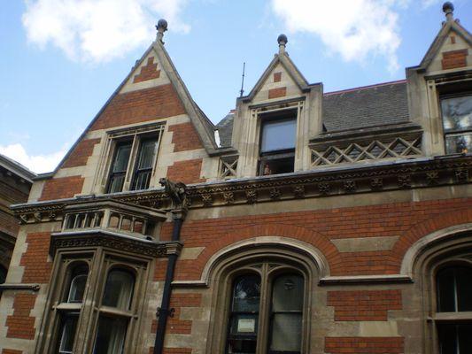 a beautiful red brick building in Cambridge