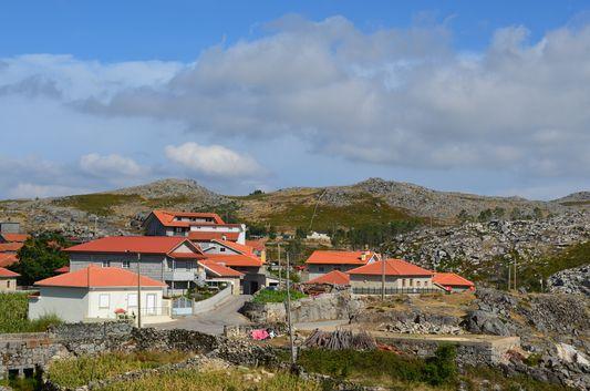 Castanheira village
