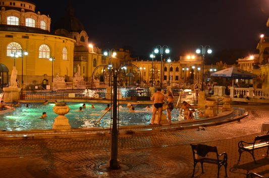 Szechenyi at night