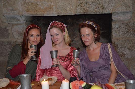 crazy sexy fun traveler, Cheryl and Katja during medieval dinner