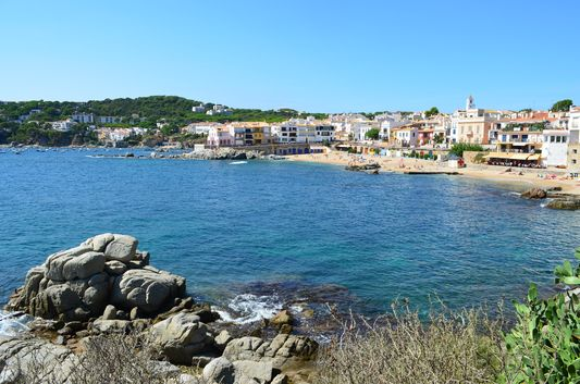 reaching Calella de Palafrugell