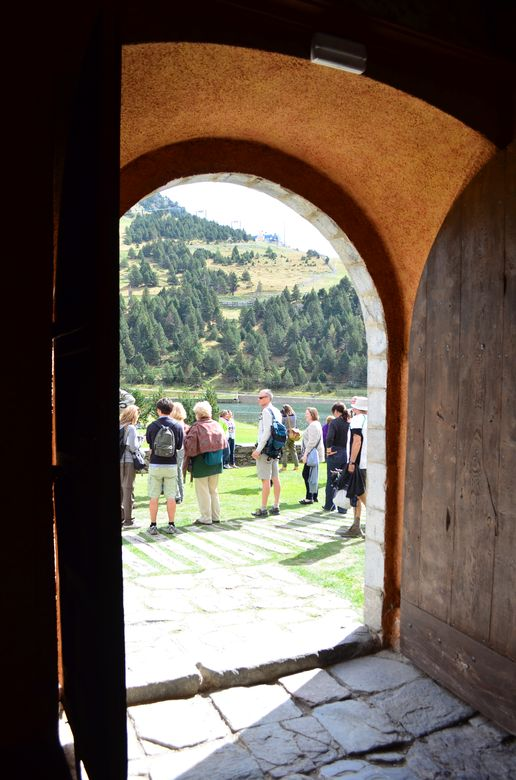 travel bloggers in Nuria Valley