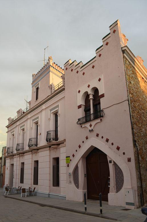 Pink House in Caldes de Malavella
